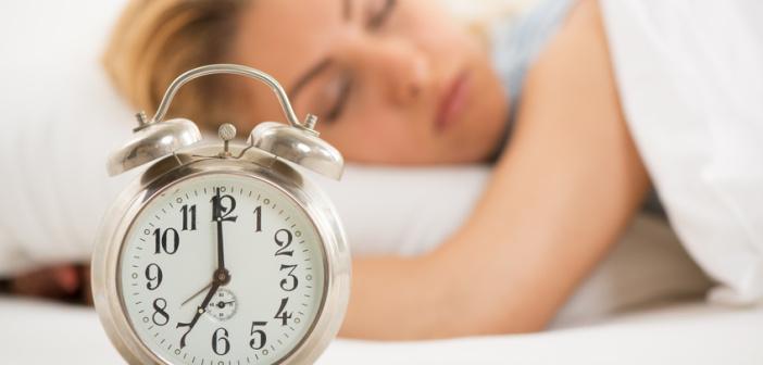 Fotolia Woman sleeping - Mid&Plus