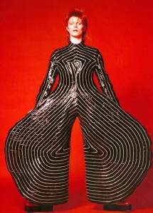 1_Striped_bodysuit_for_Aladdin_Sane_tour_1973_Design_by_Kansai_Yamamoto_Photograph_by_Masayoshi_Sukita__Sukita_The_David_Bowie_Archive_2012[1]