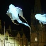 ©Matthew Andrews-Lumineoles-Porté par le vent--Londres Lumière-Midetplus