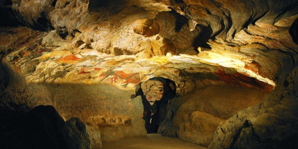 ©Site Grotte des Eyzies