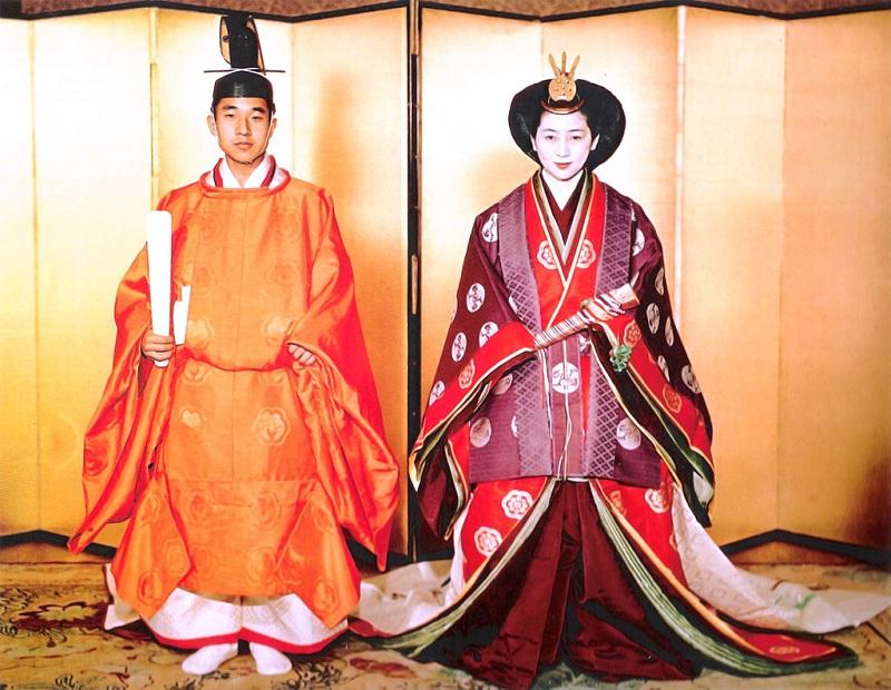 ©Wikipedia-Prince_Akihito_&_Michiko_Shoda_Wedding_1959-4