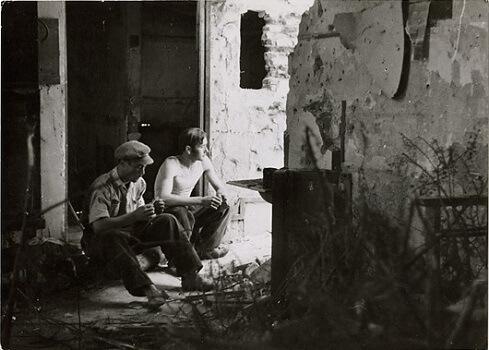 ©Republican dinamiteros, in the Carabanchel neighborhood of Madrid, June 1937 - Wikipedia.