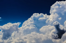 Au-dessus des nuages, le ciel est toujours bleu