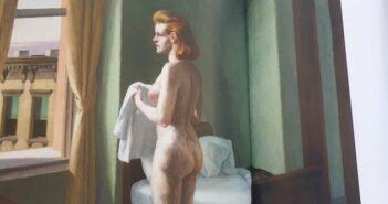 """©"""" Morning in a city """" – 1944 – d'Edward Hopper (Williams College Museum of Art – Williamstown (MA) – Extraite du catalogue de l'exposition Paris Grand Palais du 10/10/2012 au 28/01/2013"""