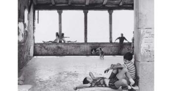 ©Henri Cartier-Bresson Simiane la Rotonde, France 1969 Fondation Henri Cartier-Bresson Magnum Photo