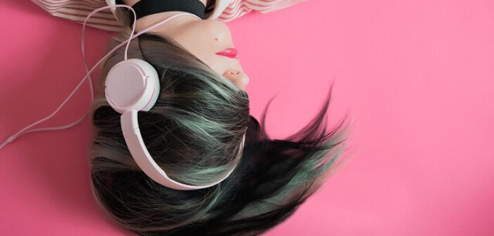 ©Pixabay girl-1990347_1920 - A vos casques